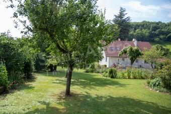 Vente Maison 10 pièces 175m² Saint-Étienne-de-Saint-Geoirs (38590) - Photo 1