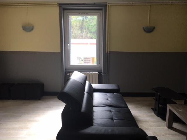 Location Appartement 77m² Amplepuis (69550) - photo