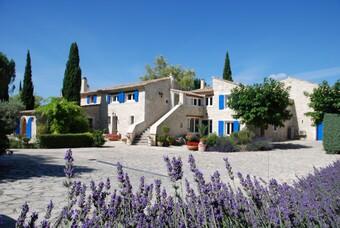 Vente Maison 500m² Saint-Paul-Trois-Châteaux (26130) - Photo 1