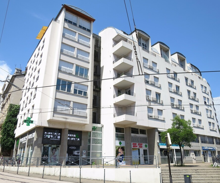 Location Garage 10m² Grenoble (38000) - photo