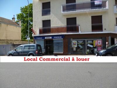 Location Local commercial 36m² Pau (64000) - photo