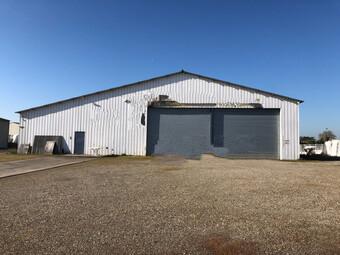 Sale Industrial premises 2 rooms 450m² Agen (47000) - photo
