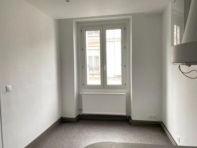 Location Appartement 3 pièces 89m² Saint-Étienne (42000) - Photo 8