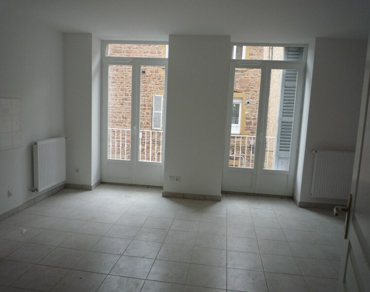 Location Appartement 100m² Charlieu (42190) - photo