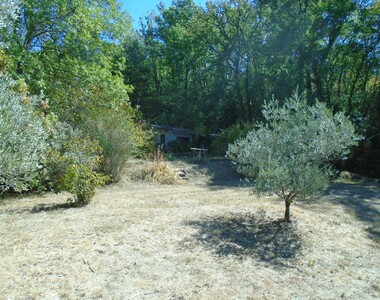 Sale Land 2 380m² Grambois (84240) - photo
