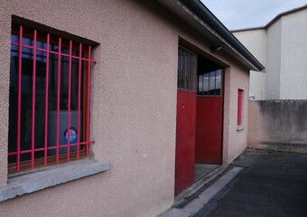Location Local commercial 2 pièces 106m² Vaugneray (69670) - Photo 1