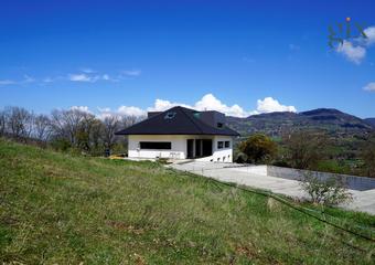 Sale House 16 rooms 564m² Brié-et-Angonnes (38320) - photo