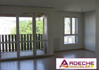 Location Appartement 1 pièce 36m² Privas (07000) - Photo 1