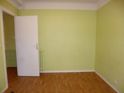 Location Appartement 4 pièces 68m² Soumoulou (64420) - Photo 4