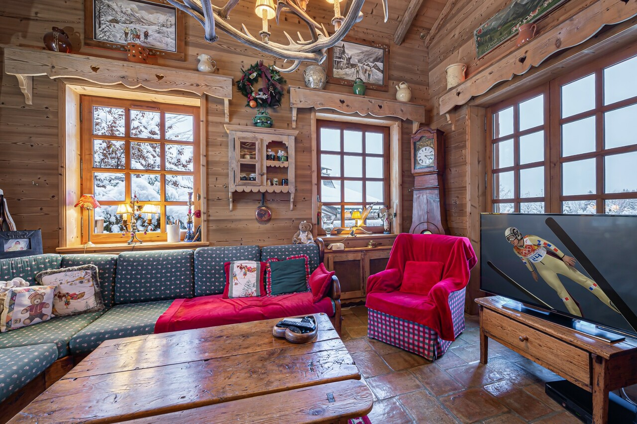 TYPICAL CHALET SWISS CONSTRUCTION Accommodation in Megeve
