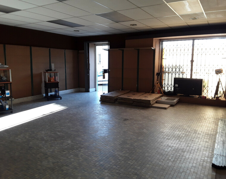 Vente Local commercial 3 pièces 88m² Hasparren (64240) - photo