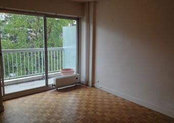 Renting Apartment 1 room 32m² Paris 11 (75011) - Photo 1