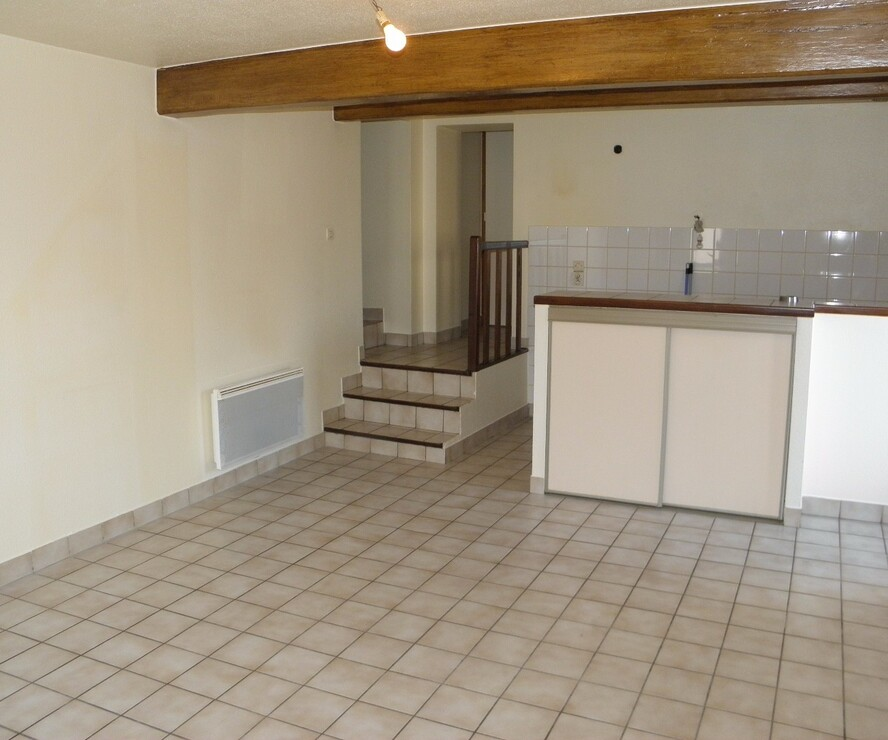 Location Appartement 43m² Saint-Denis-de-Cabanne (42750) - photo
