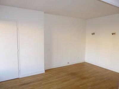 Location Appartement 3 pièces 53m² Saint-Étienne (42100) - Photo 10
