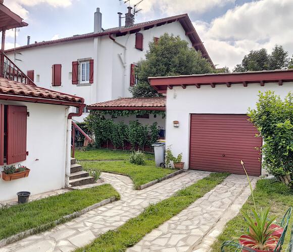 Vente Maison 5 pièces 120m² Cambo-les-Bains (64250) - photo