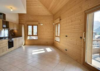 Renting Apartment 3 rooms 59m² Bourg-Saint-Maurice (73700) - Photo 1