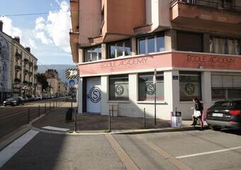Location Local commercial 123m² Grenoble (38000) - Photo 1