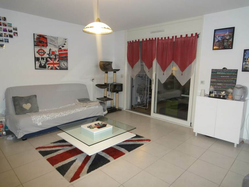location appartement 2 pi ces grenoble 38000 164241. Black Bedroom Furniture Sets. Home Design Ideas