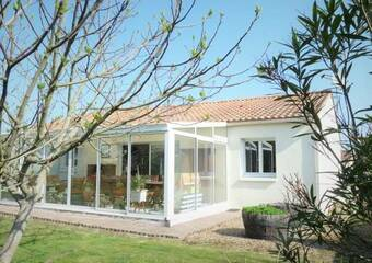 Sale House 6 rooms 150m² TALMONT-SAINT-HILAIRE - Photo 1