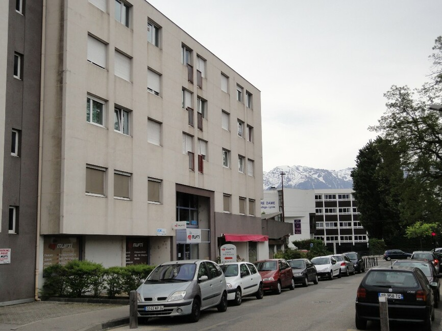 Location appartement 1 pi ce grenoble 35833 for Appartement meuble grenoble louer