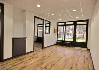 Location Local commercial 4 pièces 60m² Bourg-Saint-Maurice (73700) - Photo 1