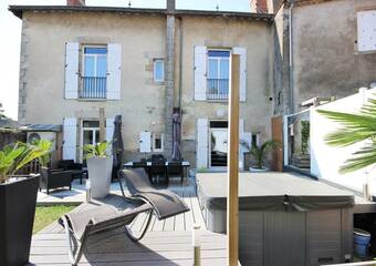 Sale House 10 rooms 231m² Legé (44650) - Photo 1