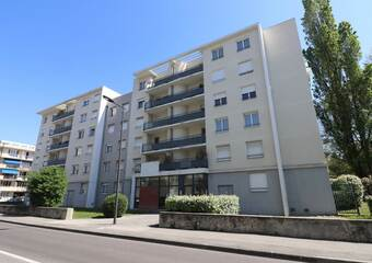 Sale Apartment 4 rooms 86m² Saint-Martin-d'Hères (38400) - Photo 1