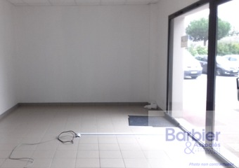 Location Local commercial 66m² Plescop (56890) - Photo 1