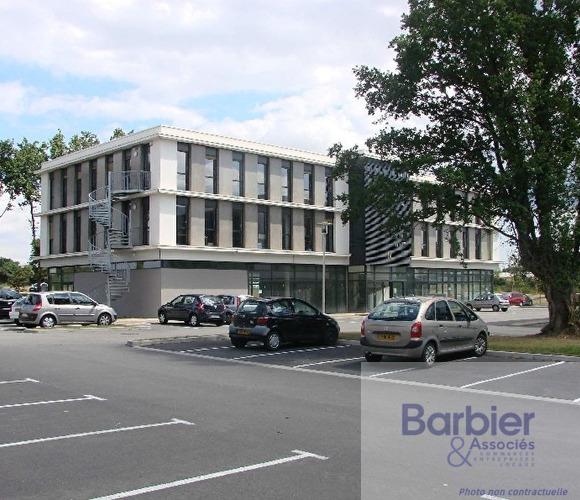 Location Local commercial 200m² Plescop (56890) - photo