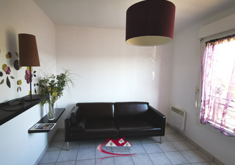 Renting Apartment 3 rooms 60m² Nogent-le-Roi (28210) - Photo 1
