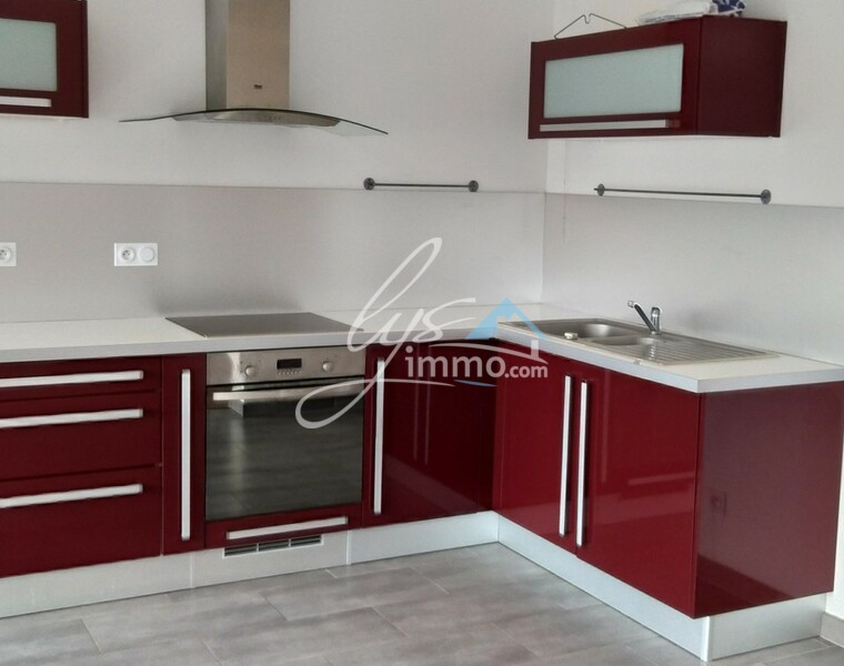 Location Appartement 6 pièces 65m² Douvrin (62138) - photo