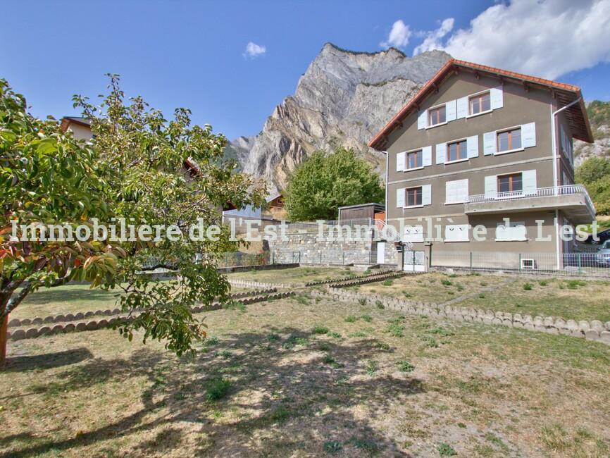 Vente Maison 9 pièces 163m² Saint-Martin-de-la-Porte (73140) - photo