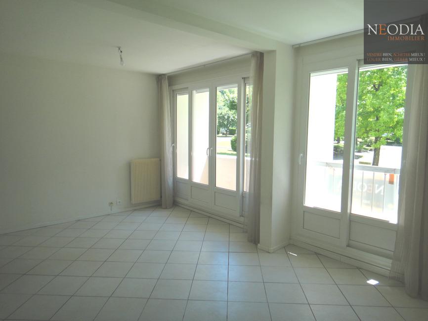 Location Appartement 3 pièces 63m² Saint-Martin-d'Hères (38400) - photo