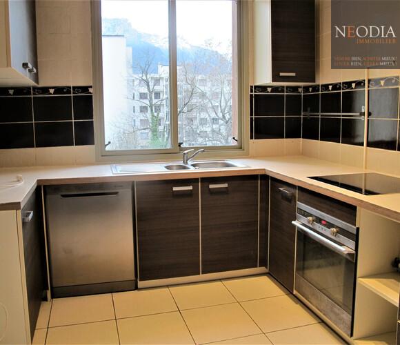 Location Appartement 76m² Saint-Égrève (38120) - photo
