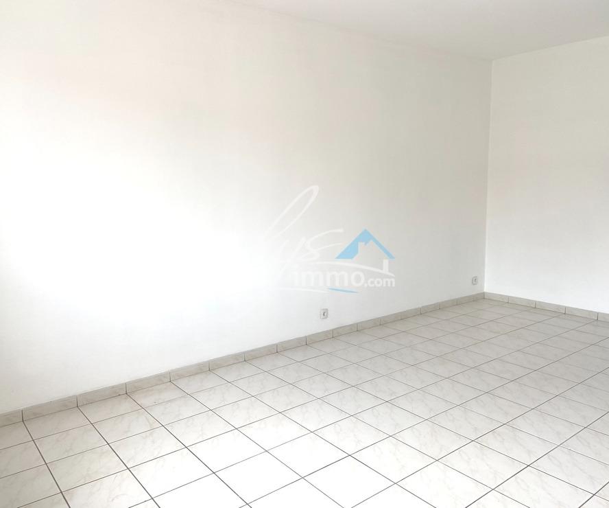 Location Appartement 3 pièces 55m² La Bassée (59480) - photo
