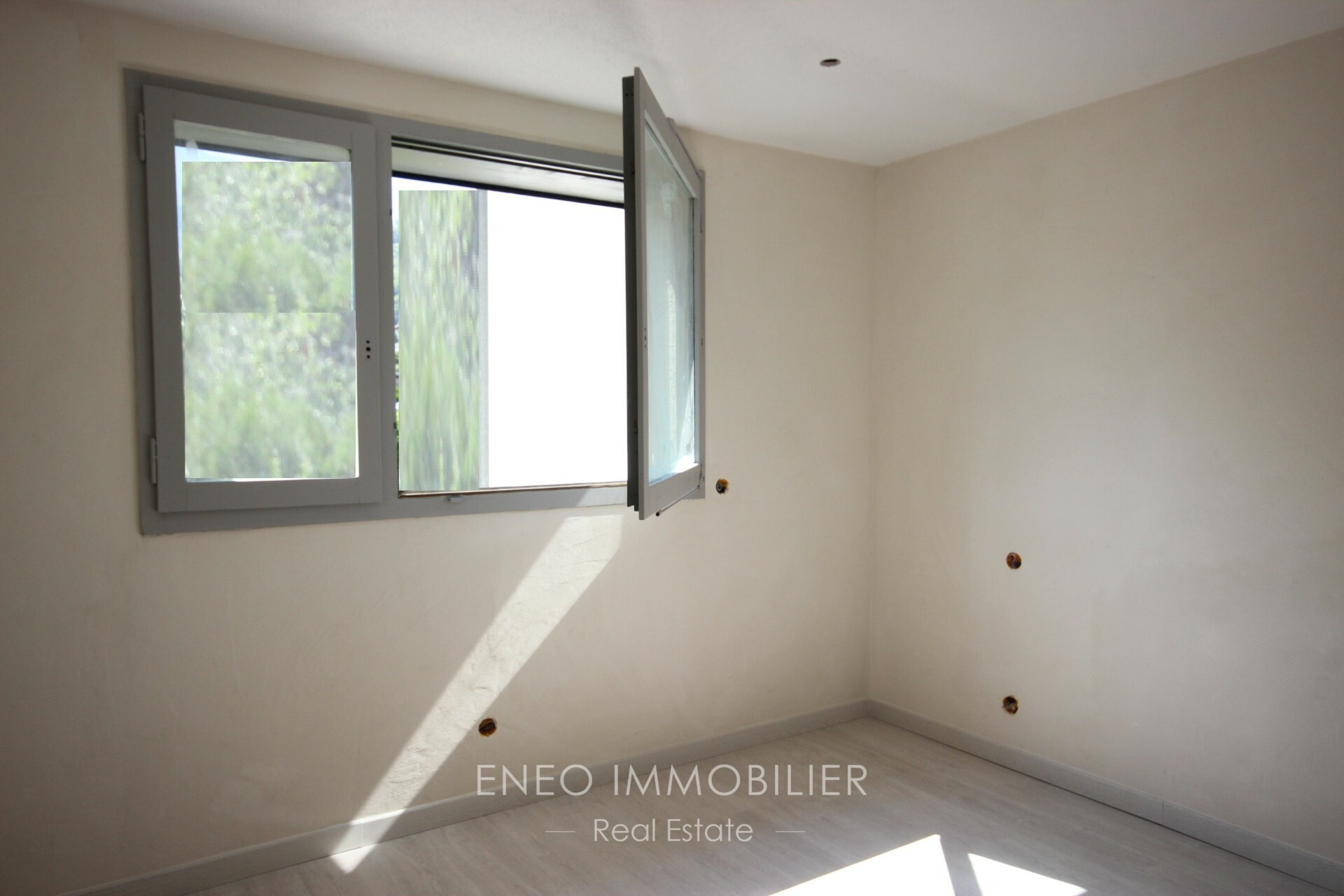 Very nice 4-room apartment with terrace