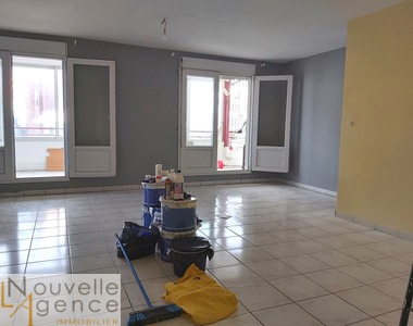 Location Appartement 5 pièces 94m² Saint-Denis (97400) - photo