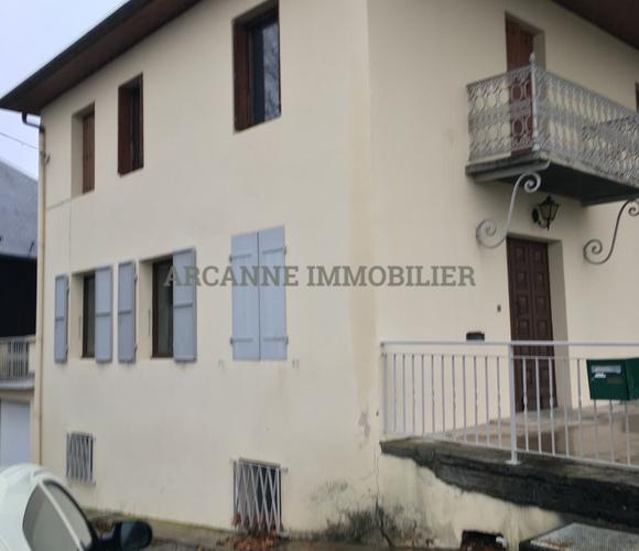 Sale Building 600m² Saint-Pierre-d'Albigny (73250) - photo
