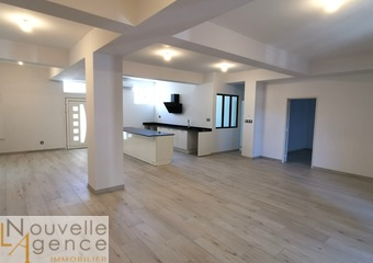 Location Appartement 5 pièces 165m² Saint-Denis (97400) - Photo 1