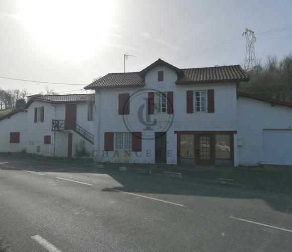 Vente Maison 8 pièces 175m² Mouguerre (64990) - photo