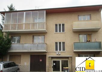 Location Appartement 3 pièces 62m² Saint-Laurent-de-Mure (69720) - Photo 1
