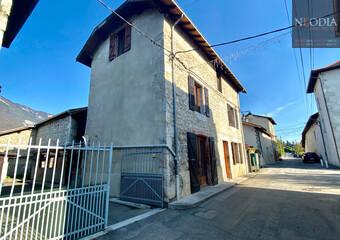 Vente Maison 7 pièces 180m² Saint-Nazaire-les-Eymes (38330) - Photo 1