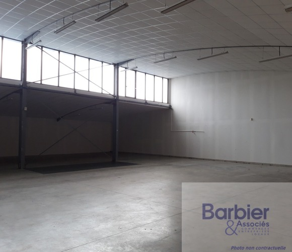 Location Local industriel 660m² Vannes (56000) - photo