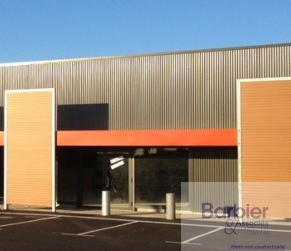 Vente Local commercial 450m² Questembert (56230) - photo