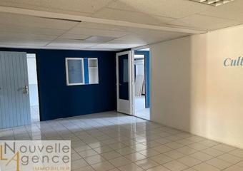 Location Bureaux 2 pièces 96m² Saint-Denis (97400) - Photo 1