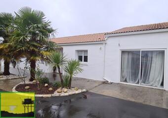Vente Maison 8 pièces 225m² Étaules (17750) - Photo 1