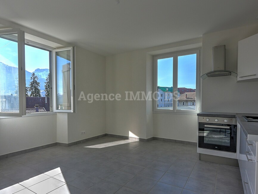 Sale Apartment 4 rooms 103m² La Roche-sur-Foron (74800) - photo