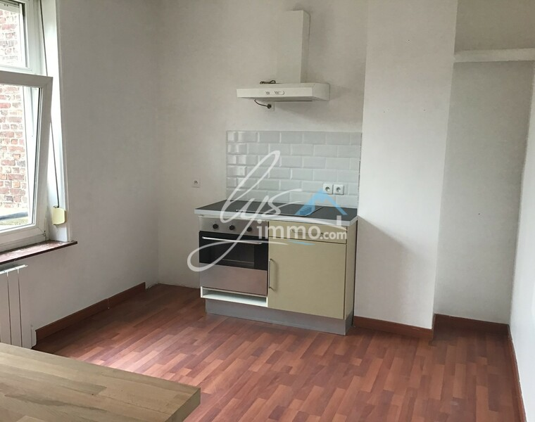 Location Appartement 6 pièces 80m² Merville (59660) - photo
