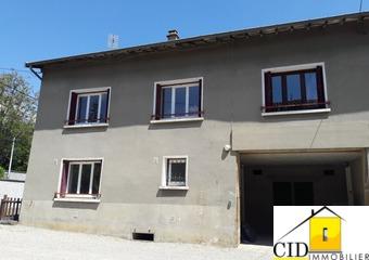 Location Appartement 4 pièces 105m² Toussieu (69780) - Photo 1