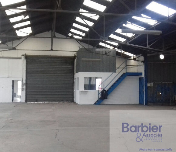 Location Local industriel 520m² Vannes (56000) - photo